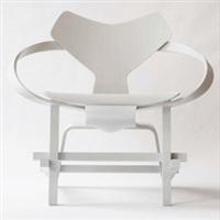 合成椅 by carolee schneemann