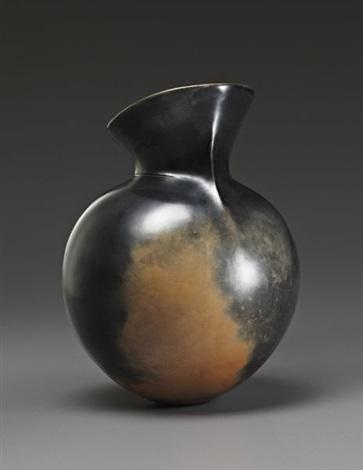untitled vessel by magdalene odundo