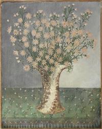 le douanier vase de fleurs sur un tapis à franges by henri rousseau