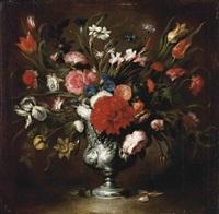 vaso di fiori con peonie e iris by stefano camogli