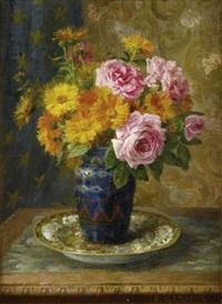 bouquet de fleurs sur un entablement by pierre garnier