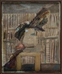 liście w wazonie na tle półek z książkami i by artur nacht-samborski