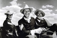 dean martin, frank sinatra & peter lawford on the set of sergeant's three by sid avery