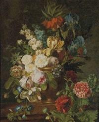 fleurs dans un vase en métal by jan frans van dael