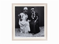 deux amies au studio by malick sidibé