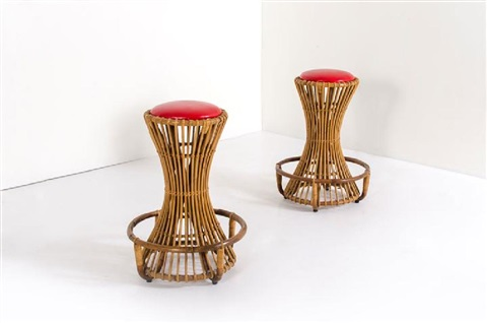 Coppia di sgabelli in giunco seduta imbottita rivestita in pelle
