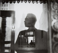self portrait, 42nd street el station looking towards 'tudor city' by louis faurer