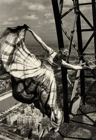 lisa fonssagrives on the eiffel tower by erwin blumenfeld
