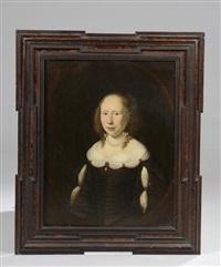 portrait de femme au collier de perles by ferdinand bol