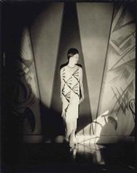model in a gown by vionnet, 1925 by edward steichen