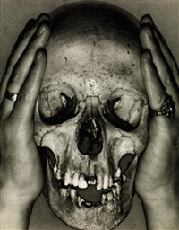 skull with charley toorop hands by erwin blumenfeld