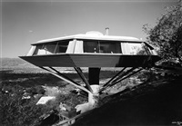 john lautner, malin residence (chemosphere), hollywood, ca by julius shulman