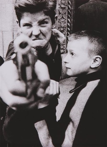 gun 1 by william klein