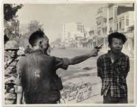 general nguyen ngoc loan executing viet cong prisoner nguyen van lém, saigon by eddie adams