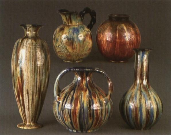 vase de forme arrondie by edgar aubry