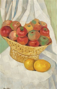 apple basket by nina arbore