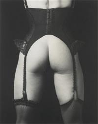 lisa lyon' (in corset) by robert mapplethorpe