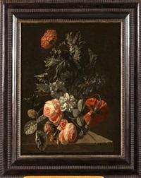 vase de fleurs et de végétation sur un entablement by simon pietersz verelst