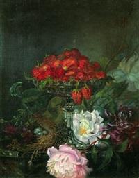 nature morte à la coupe de fraises et fleurs by lucien przepiorski