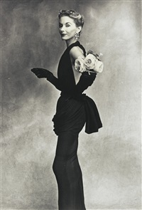 lisa fonssagrives-penn (woman with roses) by irving penn