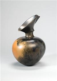 a rare vase form by magdalene odundo