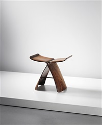 early butterfly stool, designed by sori yanagi