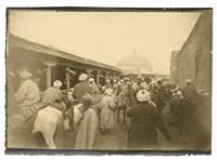 voyage au turkestan, samarcande. la foule qui se presse rue de tachkent vers le grand bazar tchorsou (2 works) by paul nadar