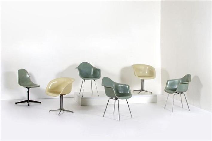 Sei sedie in fibra di vetro con struttura in acciaio cromato von ...