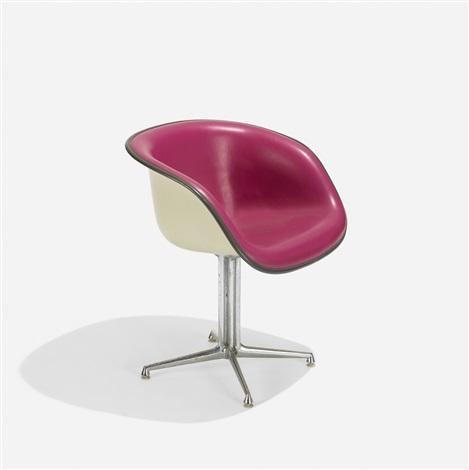 La Fonda chair von Charles and Ray Eames auf artnet