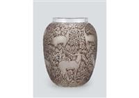 vase: biches by rené lalique