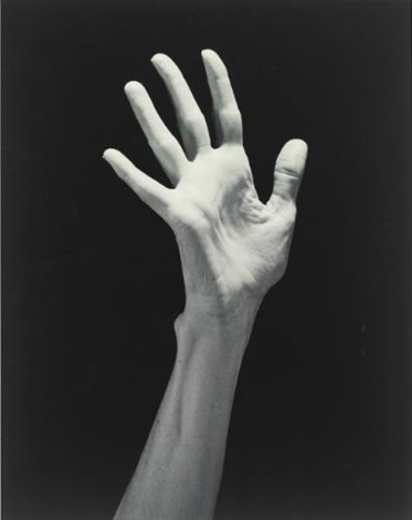 lucindas hand by robert mapplethorpe