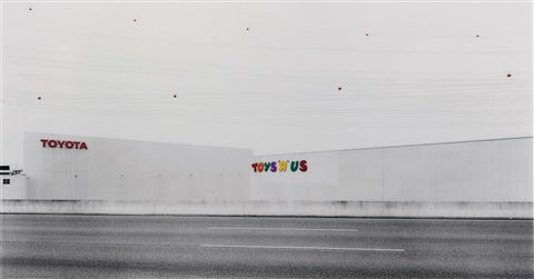 "toys ""r"" us by andreas gursky"