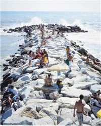 madima wave (vertical) (from landscape with figures) by massimo vitali