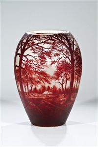 vase mit baumlandschaft by gräfliche harrach'sche glasfabrik (co.)