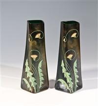 paar vasen mit mohn (pair) by gräfliche harrach'sche glasfabrik (co.)