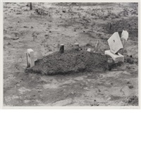 a child's grave, hale county, alabama by walker evans