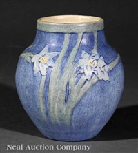 vase decorated by sadie irvine by newcomb college pottery