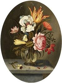 blumenstrauss mit tulpe, iris und rose in einer glasvase by abraham bosschaert