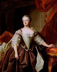 porträtt av drottning lovisa ulrika - stående knästycke i interiör by olof arenius