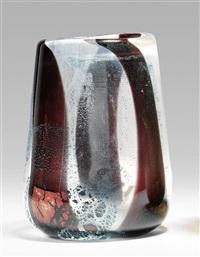 vase 05.07.86 by nicolas morin