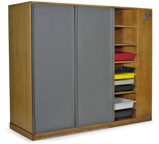 Seltener Kleiderschrank Raumteiler Von Le Corbusier Auf Artnet
