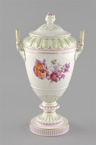 deckelvase weimarer vase von kpm k nigliche porzellan. Black Bedroom Furniture Sets. Home Design Ideas