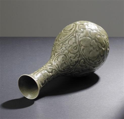 yaozhou celadon wine bottle