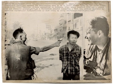 saigon general nguyen ngoc loan executing viet cong prisoner nguyen van lém by eddie adams
