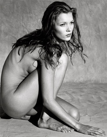 kate moss in marrakesh by albert watson