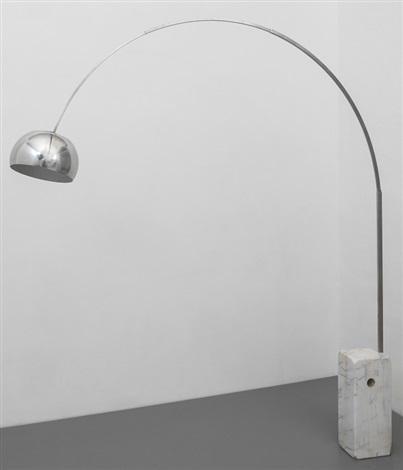 Una lampada da terra Arco von Pier Giacomo and Achille Castiglioni ...
