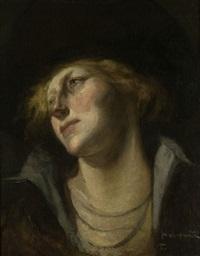 profil einer dame hinten