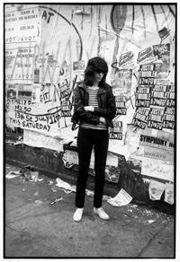 joey ramone, st.marks place 1981 by godlis