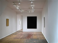 installation view - front room - ochre painting, 2004 (left), violet painting, 2004 (middle), white painting, 2004 (right) by joseph marioni