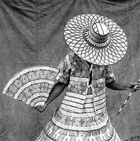 fantasia de palitos de fosforos, centro (matchstick costume, downtown) by rogerio reis